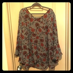 Avenue Peasant Blouse with Cutout Back 22/24